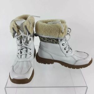 UGG Australia White Leather Wool Lined Boots SZ 5
